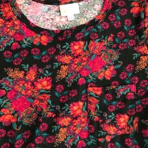 Gorgeous LuLaRoe Carly. High low hem with pocket!